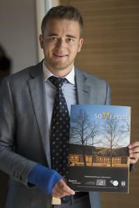 Dokumentationsfotografie Beispiel Louis Kappenberger mit der Architekturbroschüre